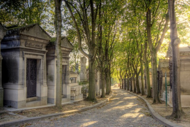 pere-lachaise-velib-blog-paris-flickr-extranoise