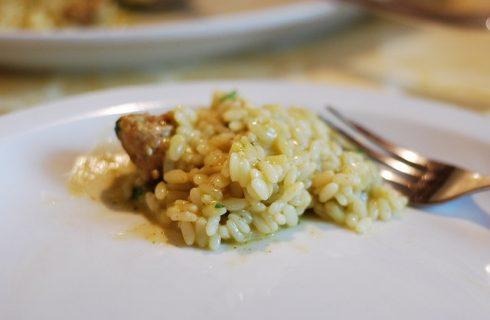 Ecco il risotto cavolfiore e salsiccia per un primo saporito