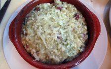 Ecco il risotto fagioli e pancetta per un primo rustico