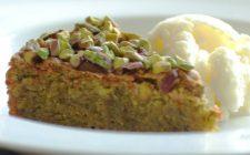 La torta al pistacchio e nutella bianca per il dessert di fine pasto