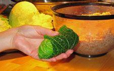 La verza ripiena di patate e speck per un secondo rustico