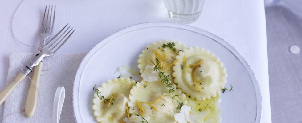 Ravioli di castagne, formaggio e arancia