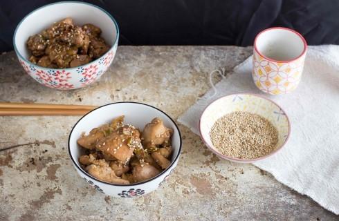 Pollo al sesamo e salsa di soia