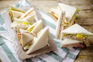Tramezzini: ricette con prosciutto, tonno e vegetariano