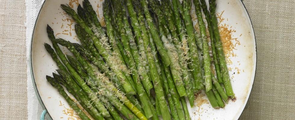 Ricetta Asparagi Verdi In Padella.Asparagi In Padella Ricetta Contorno Con Formaggio Agrodolce
