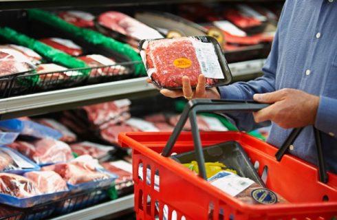 Eurospin ritira carne macinata con plastica e trance di verdesca inquinate