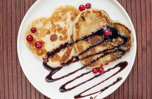 I pancake per San Valentino per una colazione romantica