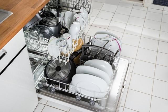 Come pulire la lavastoviglie in modo naturale agrodolce - Dove mettere la lavastoviglie in cucina ...