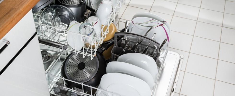 10 oggetti da non mettere mai in lavastoviglie