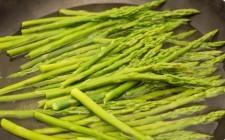 5 modi per mangiare gli asparagi