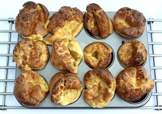 Yorkshire Pudding Ricetta Bimby.Lo Yorkshire Pudding Nella Ricetta Di Jamie Oliver Gustoblog
