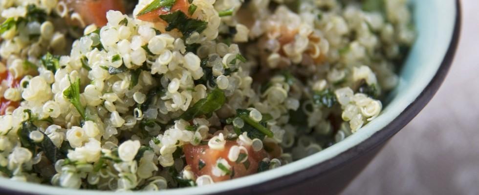 Bulgur e quinoa con pomodori