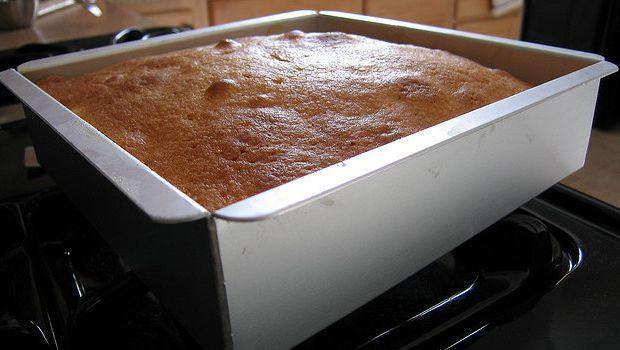 La torta al mango e yogurt con la ricetta semplice