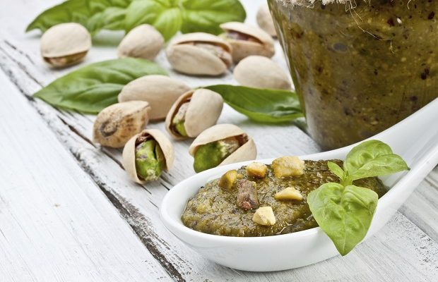 Come fare il pesto di pistacchi con la ricetta originale