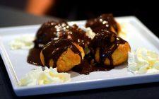 I profitterol al mascarpone e nutella per il dessert di fine pasto