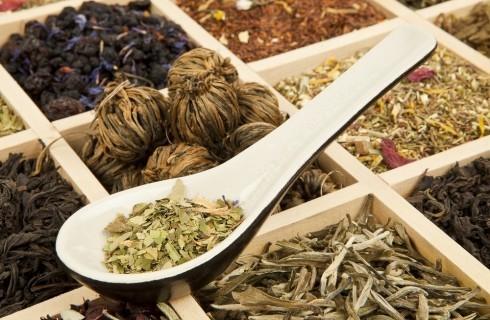 Tutti i tipi di tè, dal verde al mate