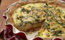La torta salata con spinaci e mozzarella da fare in casa