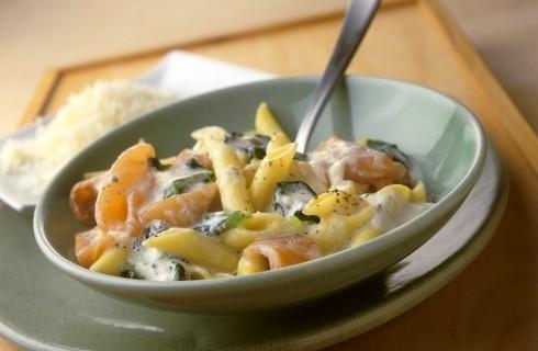Penne al salmone e spinaci