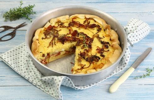 Torta salata con patate, feta e speck