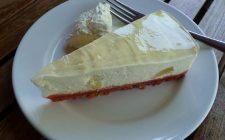 La cheesecake fredda con ricotta e pere con la ricetta facile