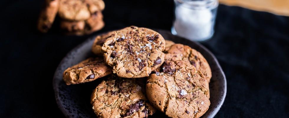 Chocolate chip cookies con burro d'arachidi