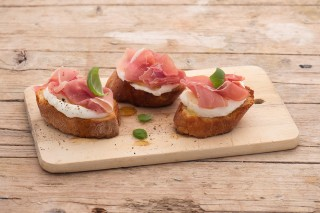 Crostini Prosciutto E Mozzarella Classici Agrodolce