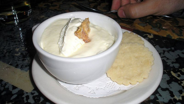 La mousse al limone senza panna per un dessert leggero