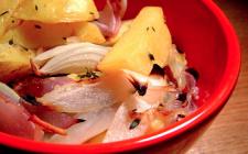 Patate lesse e cipolle: la ricetta veloce per un contorno sfizioso