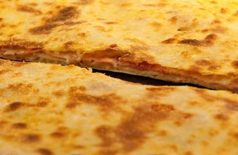 Come preparare una pizza ripiena perfetta