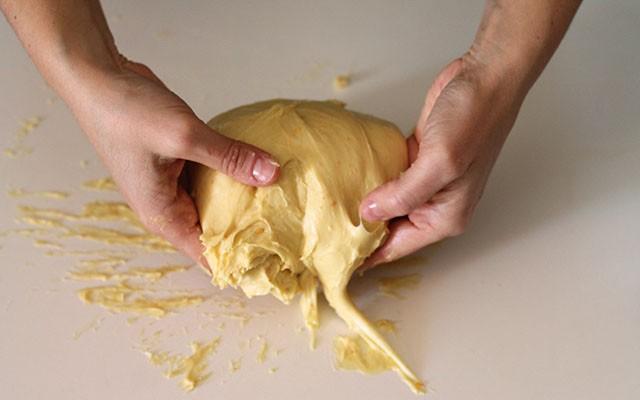 schiacciata fiorentina step(8) per impastare a mano