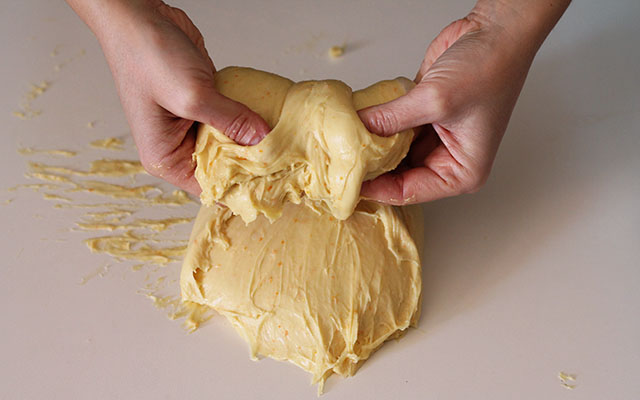 schiacciata fiorentina step(9)per impastare a mano