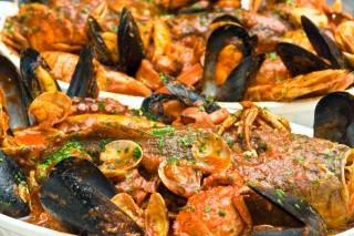 Cacciucco Pride: Livorno celebra il suo piatto tipico dal 14 al 16 giugno