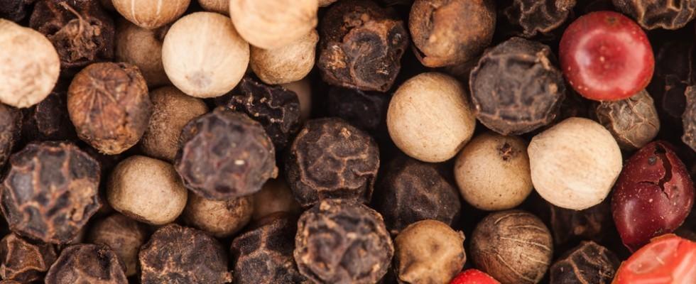 Le sfumature del piccante: tutti i tipi di pepe