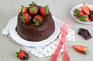 Torta cioccolato e fragole: golosa