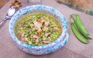 Zuppa di piselli e fave