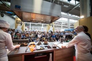 A Casa Cook Book a Torino la tradizione incontra l'alta pasticceria
