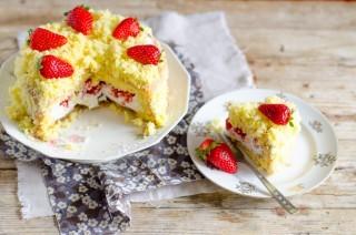 Per la mamma: torta mimosa alle fragole
