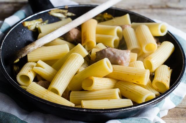 Pasta carciofi e salsiccia (4 di 1)