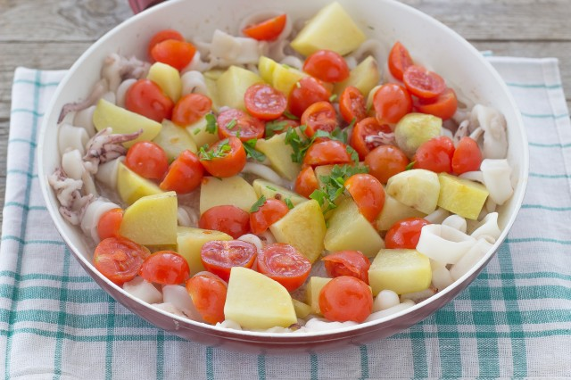 Step 3 calamari con patate e pomodorini