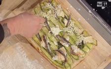 Pizza con zucchine e mozzarella: la ricetta gustosa di Gabriele Bonci