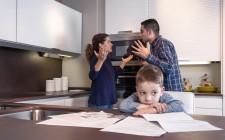 Lite tra genitori sull'alimentazione del figlio