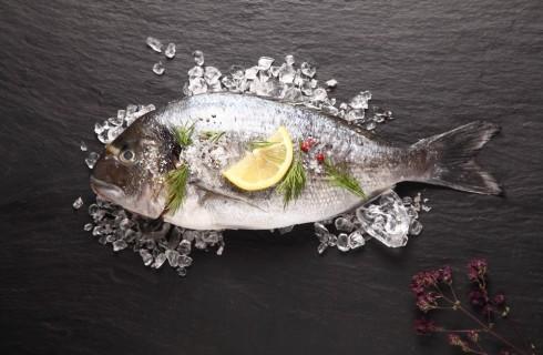 Quali pesci è giusto mangiare in estate?