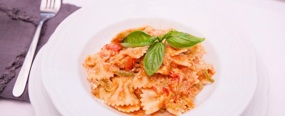 Pasta con ricotta e pomodorini: fresca