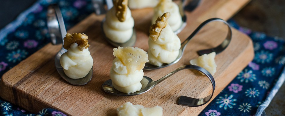Mousse di parmigiano, finger food