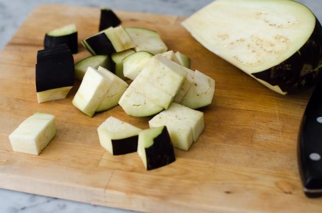 Pasta fredda alle melanzane e menta preparazione
