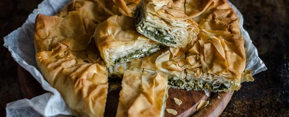 Torta rustica spinaci e feta: spanakotipa
