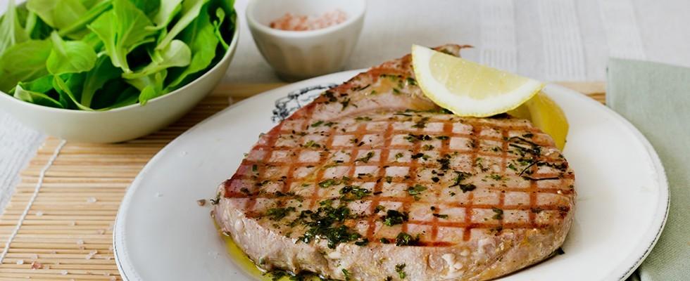 Ricetta bistecca di tonno agrodolce - Cucinare tonno fresco in padella ...