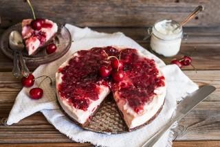 Cheesecake alle ciliegie, fresca e dolce