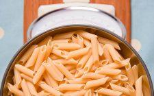 Pasta con ricotta e limone: la ricetta light ed estiva di Marco Bianchi