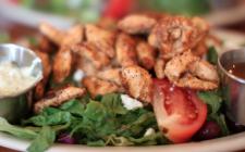 Pollo e anacardi: la ricetta light e sfiziosa